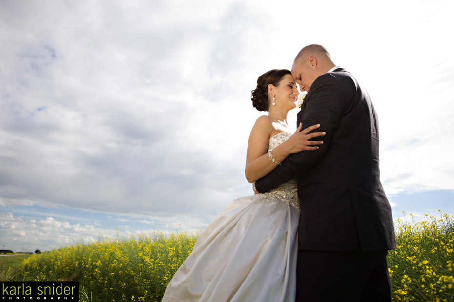 canola-field_wedding-photographer-edmonton